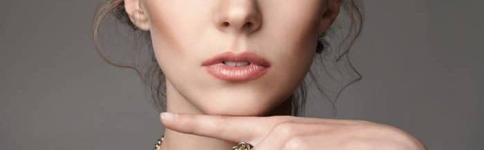 lips and ring