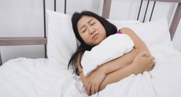 women belly pain